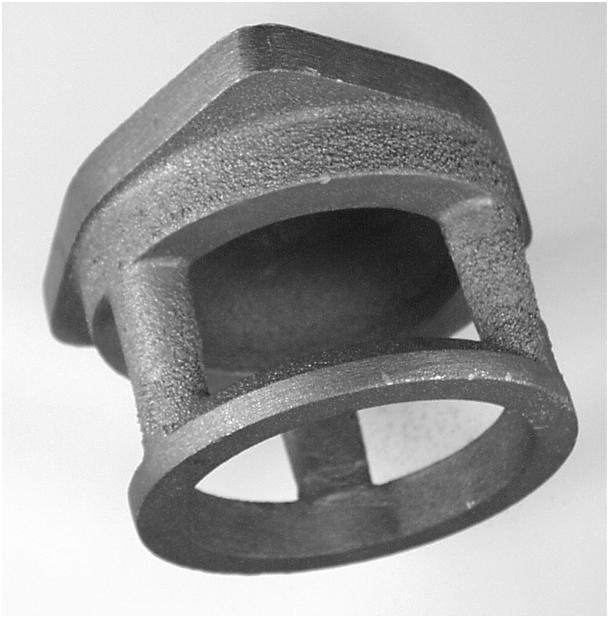 Bild 1: Beispiel einer gestrahlten unbearbeiteten Gussoberfläche mit entsprechender Rauheit infolge zu grober Sandkörnung