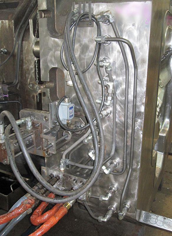 Bild 3: Temperierung einer Großform, Quelle: Robamat Automatisierungstechnik GmbH