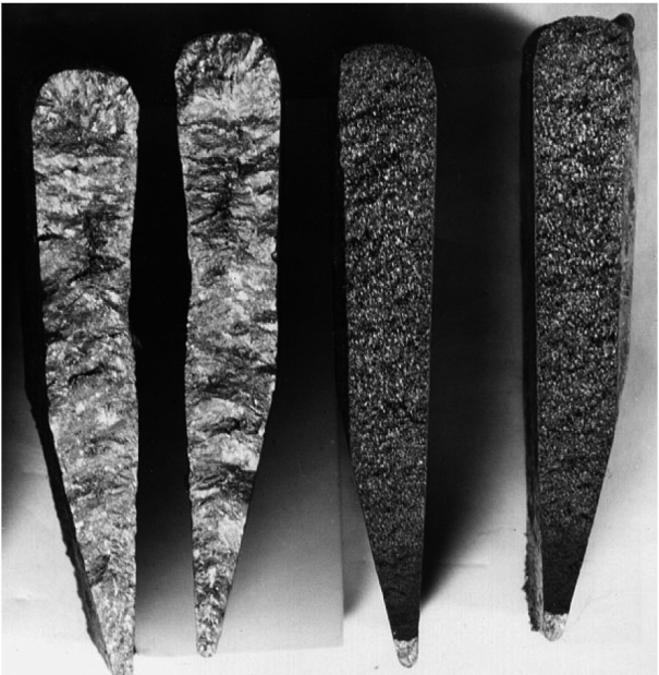 Fig. 3: Examples of broken wedge test pieces (on the left: complete chill; on the right: almost complete gray solidification)