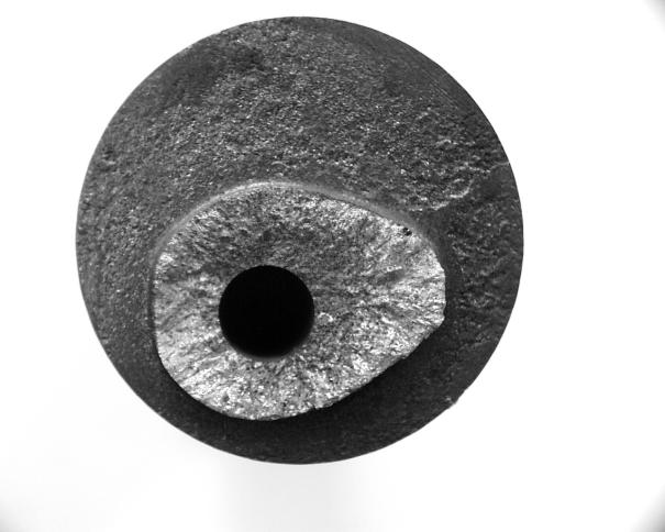 Bild 1: Weißeinstrahlung an der Bruchfläche einer Nockenwelle