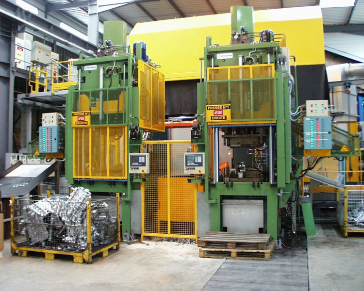Fig. 5: Hydraulic trimming press, photo: Tecnopres S.r.l.