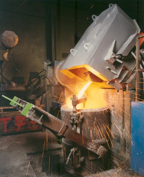 Fig. 6:  Induction furnace gas removal (Scheuch GmbH, Aurolzmünster, Austria)