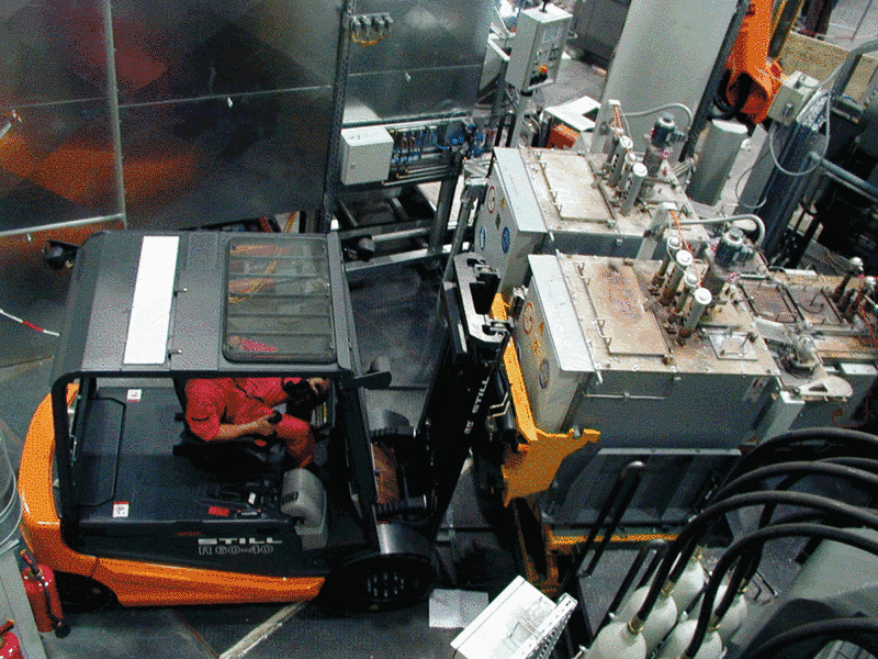 Fig. 1: Magnesium liquid transportation, type MFT from Ing. Rauch Fertigungstechnik GmbH