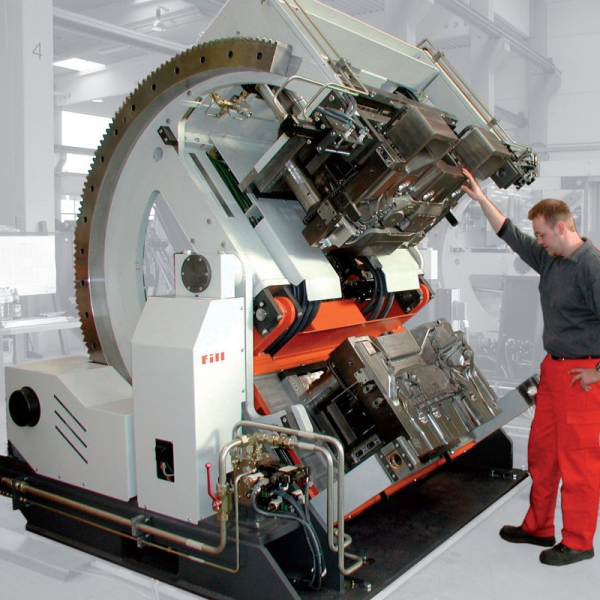 Fig. 4: TILTCASTER SERVO tilting gravity die casting machine from Fill GmbH