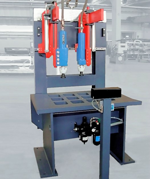 Fig. 2: Hammers for pre-decoring, type CORECRACKER BASIC from the company Fill GmbH