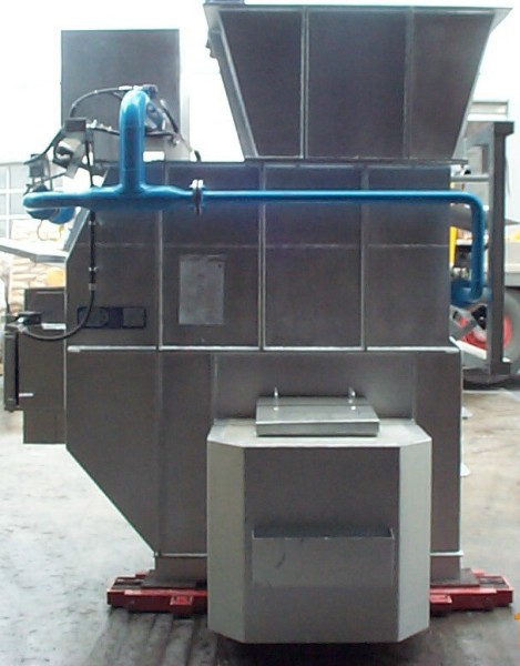 Fig. 4: Bale-out pocket as attachment for a shaft furnace, photo: StrikoWestofen Gmb