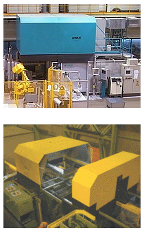 Fig. 1: Extraction hood on a die casting machine in operation (top) and opened during mold change (bottom), (KMA Umwelttechnik GmbH, Königswinter)