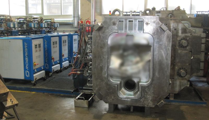 Fig. 1: Mold pre-heating station for large molds, source: Robamat Automatisierungstechnik GmbH