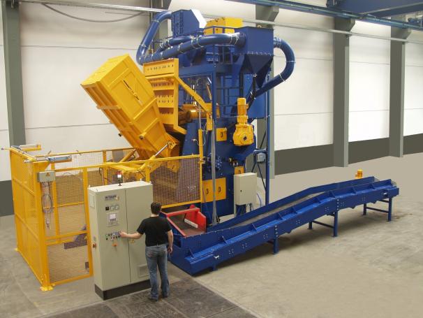 Bild 3: Muldenband-Chargenanlage RMBC, (Rösler Oberflächentechnik GmbH, Untermerzbach)