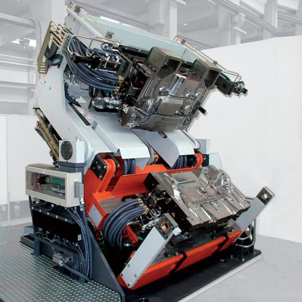 Bild 1: Kippkokillengießmaschine TILTCASTER SERVO von Fa. Fill GmbH
