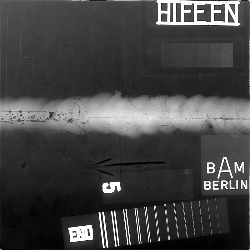 Bild 2:  Mittels Durchstrahlungsprüfung detektierte Fehlstellen in einer Schweißnaht (YXLON International GmbH, Hamburg)
