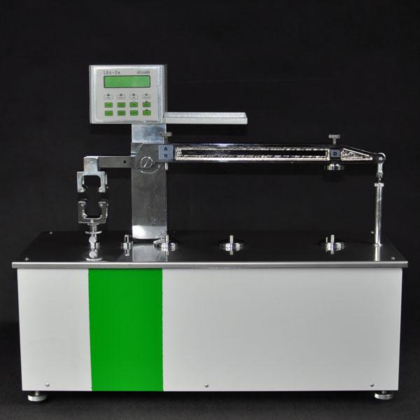 Bild 4: Universalprüfgerät LRuE-2e, elektronisch mit PC-Schnittstelle  (Hersteller Fa. MULTISERW-Morek, vertreten durch S&B Industrial Minerals GmbH, Vertrieb Leipzig)