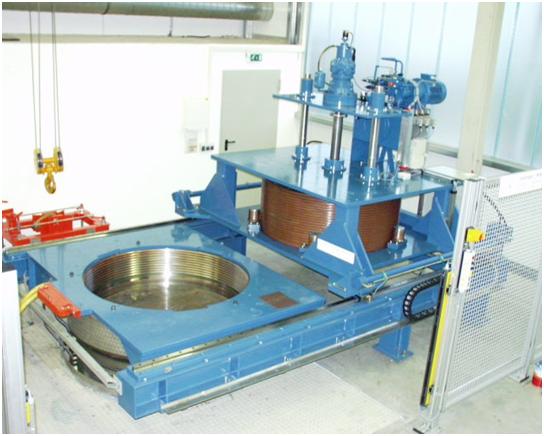Bild 2: HIP Anlage der Fa. Bodycote Wärmebehandlung GmbH Ebersbach, Deutschland