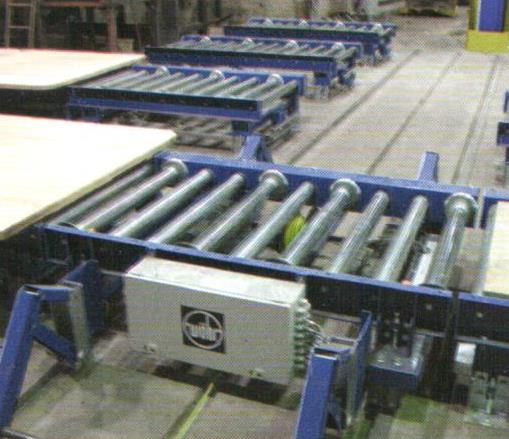 Fig. 4: Roller conveyor for a no bake molding line (AAGM Aalener Gießereimaschinen GmbH)